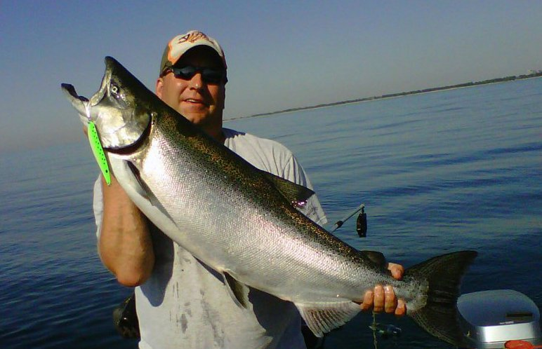 Salmon fishing charter Lake Ontario